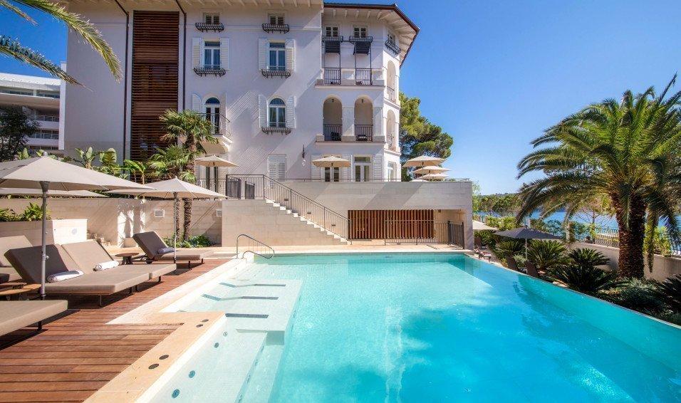 https://www.losinj-hotels.com/assets/Vila-Hortensia/Gallery/_resampled/CroppedFocusedImageWyI5NTYiLCI1NjYiLCJ5IiwzMV0/hortensia-villa-5.jpg