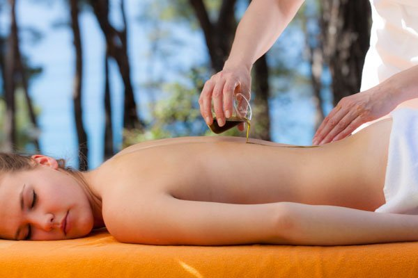 Wellness treatments with olive oil