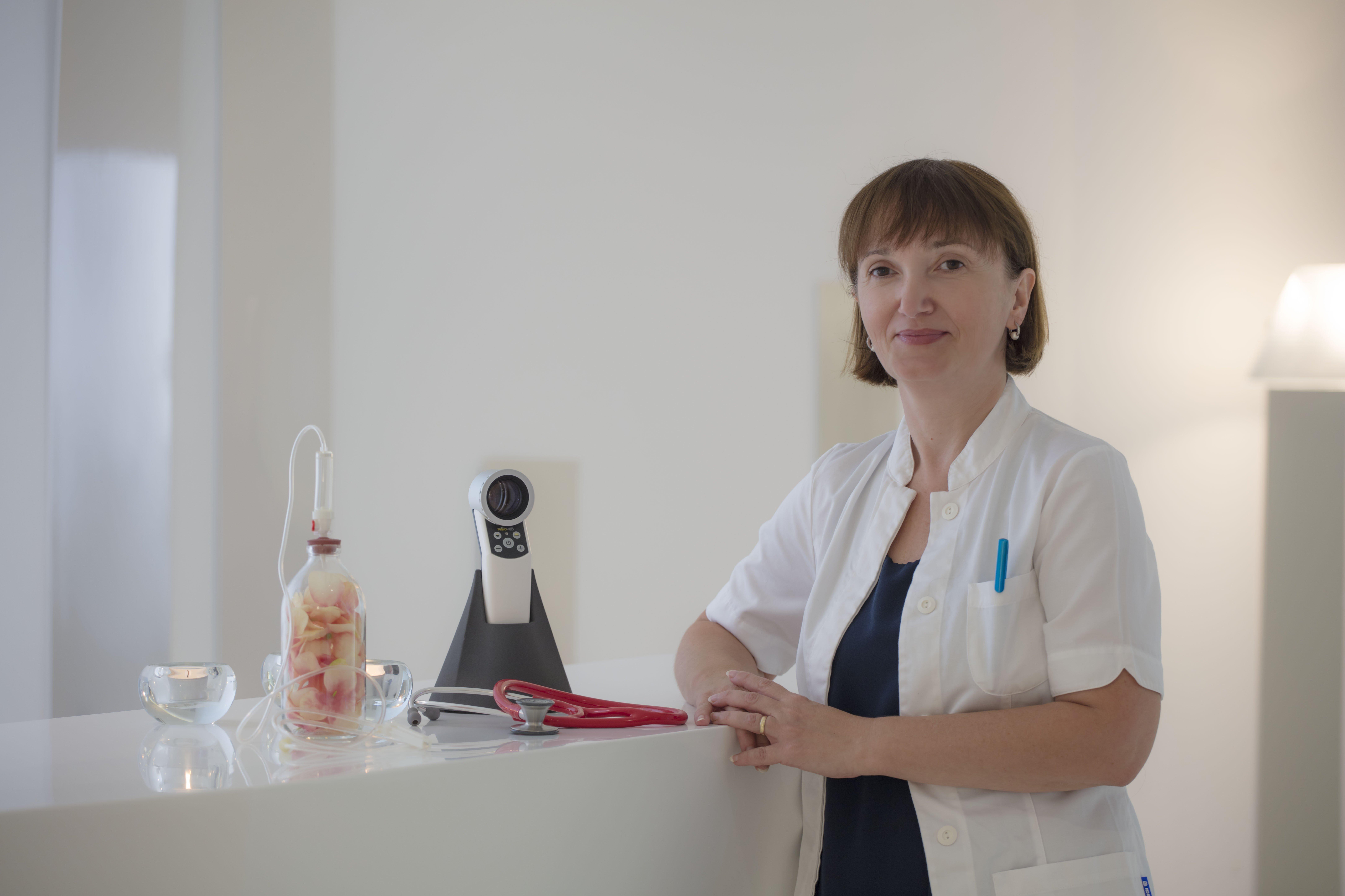 Dr. Derm. Ana Ivekić Jambrošić